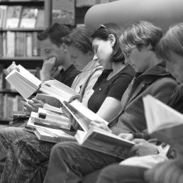 gente-leyendo-1